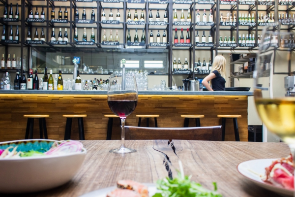 How to choose wine at a restaurant