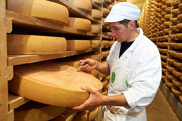 치즈를 가장 맛있는 순간에 맛보기 위하여