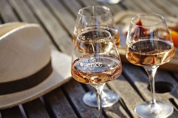 당신이 프랑스 로제 와인에 대해 반드시 알아둬야 할 것들