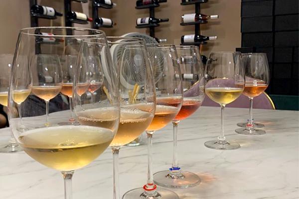 프리미엄 이탈리안 와인 전문점, 칸티나(Cantina)