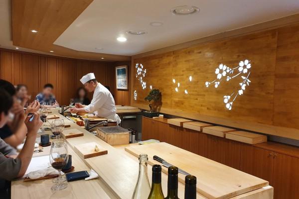 스시 & 내추럴 와인 페어링을 진행한 타쿠미곤 X 네이처 와인 Co.