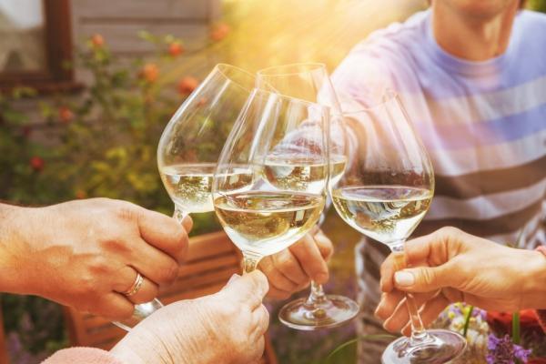 나른한 주말 오후에는 이 와인을!