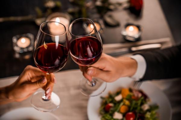 부부의 날을 기념하며 마시기 좋은 와인