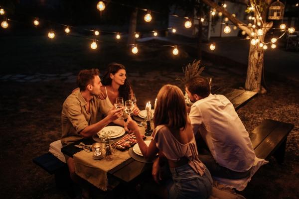 소소한 야외 파티에서 즐기기 좋은 와인