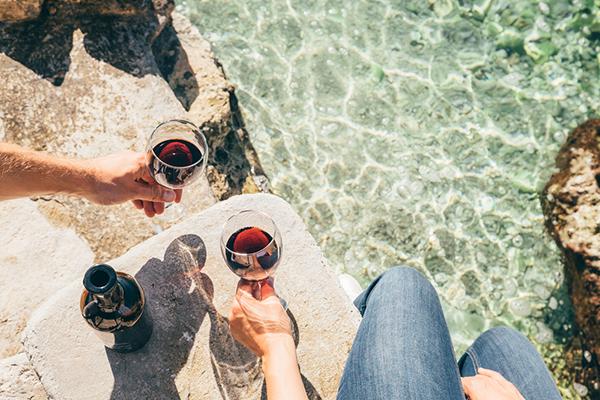 늦여름에 마시기 좋은 레드 와인